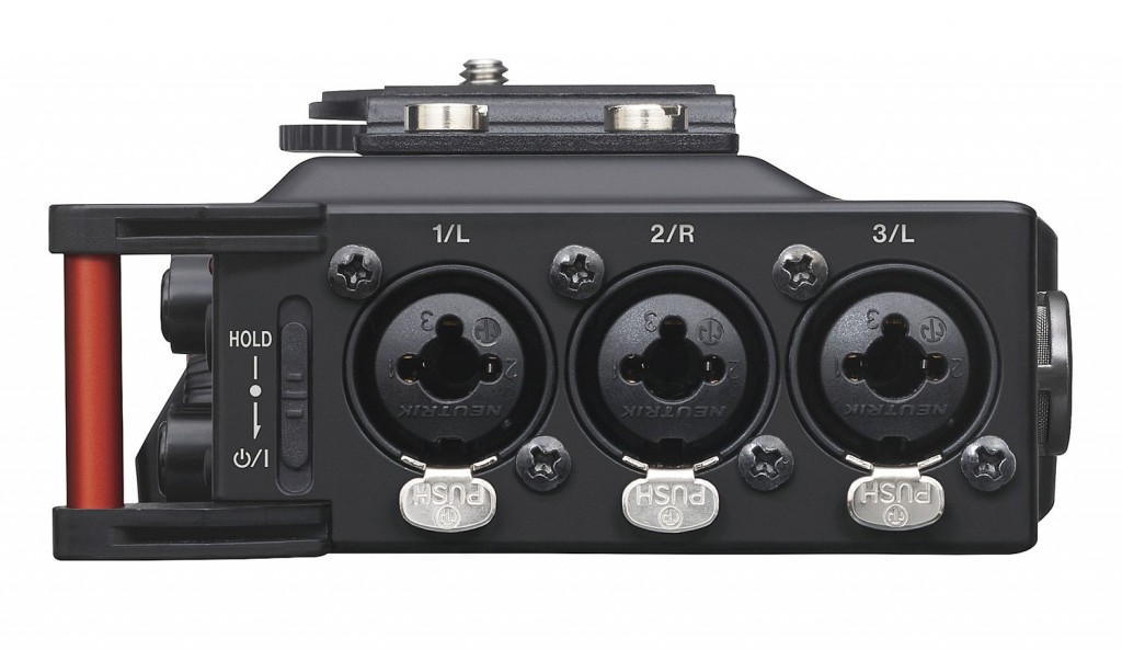 Tascam-DR-70D--side