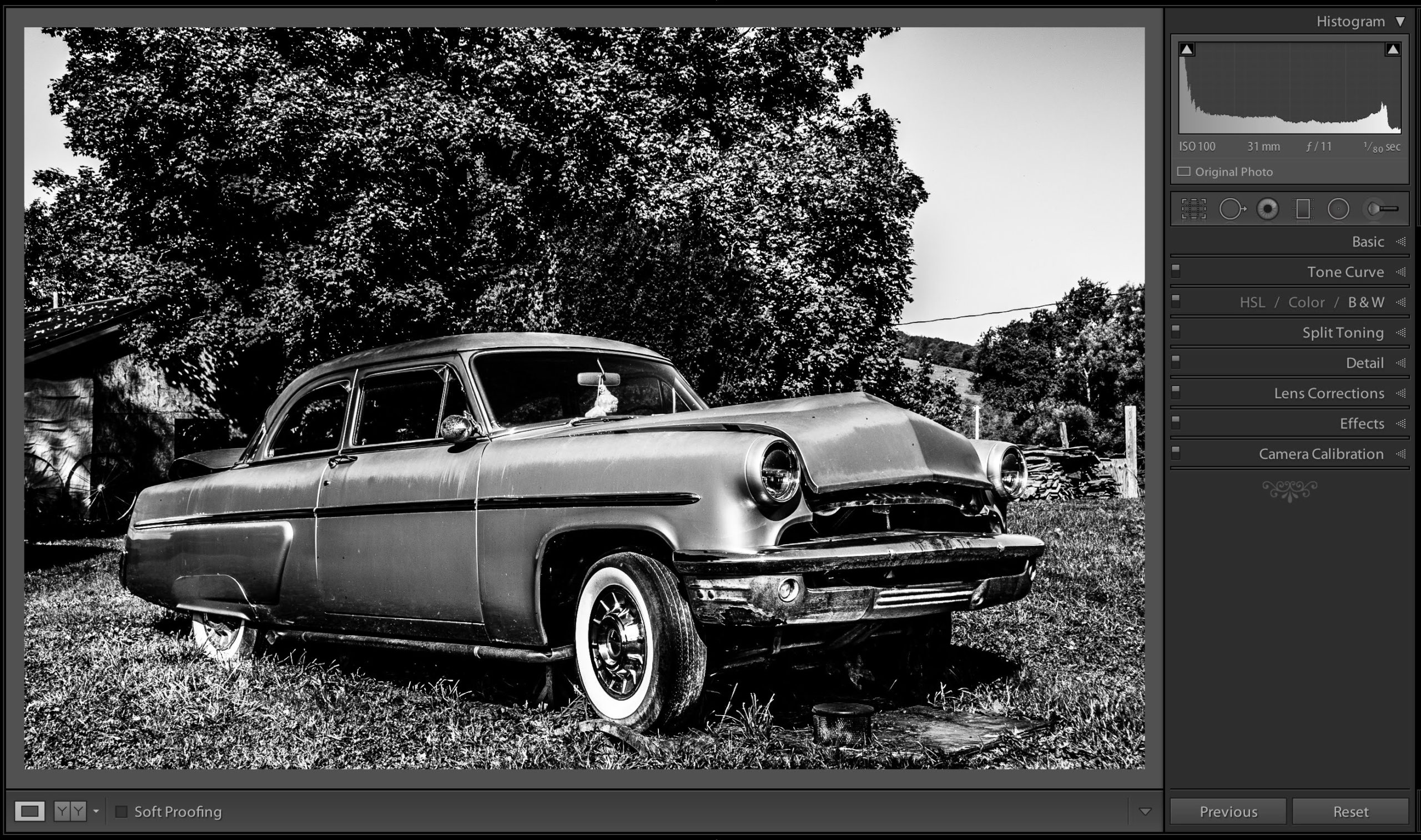 Creating a black and white image with an hdr look in lightroom
