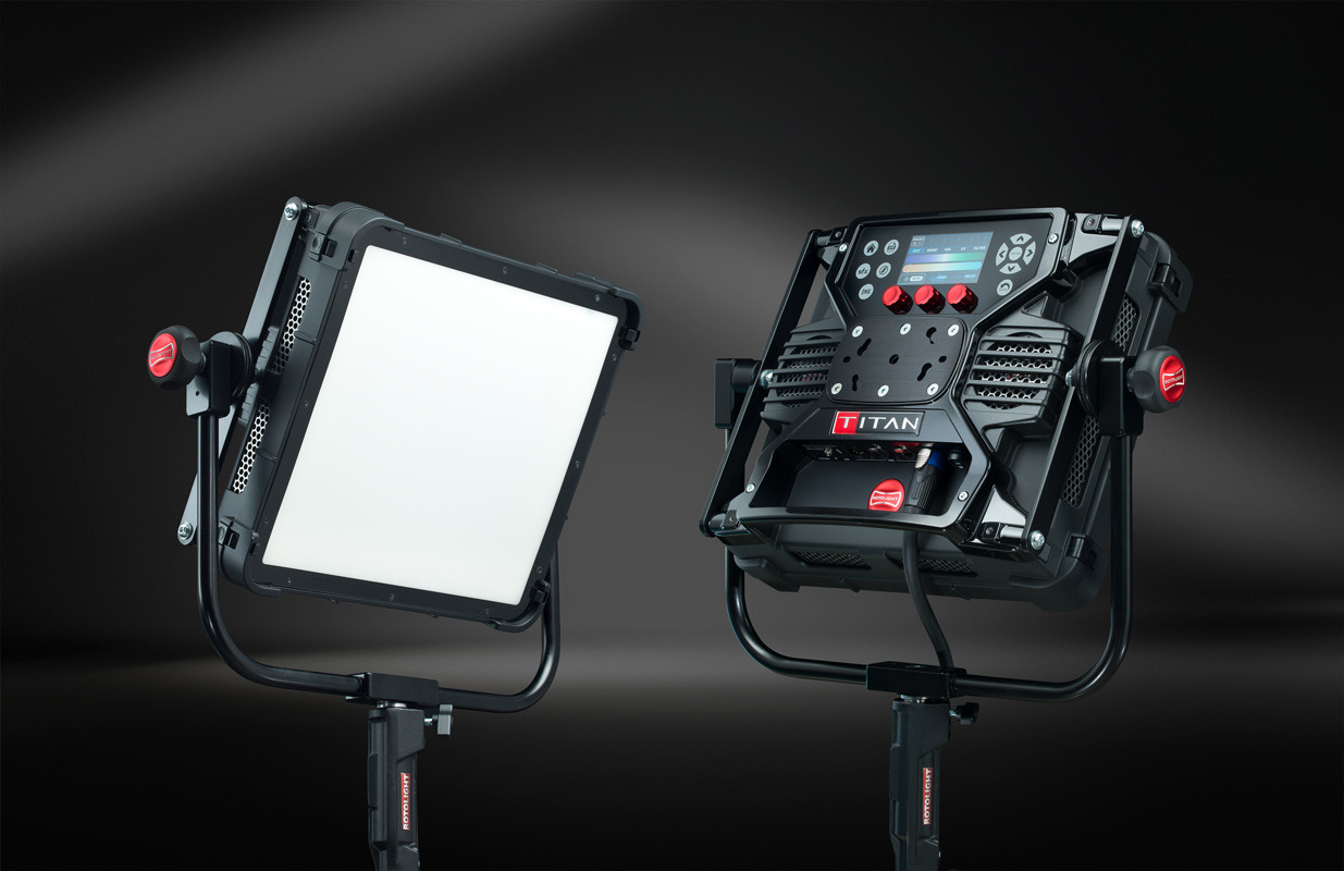 Front and back Rotolight, Titan X1